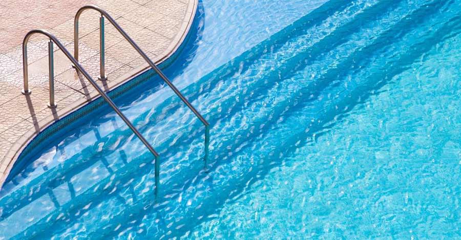 Como limpiar la piscina. Los mejores consejos para la limpieza y mantenimiento de piscinas