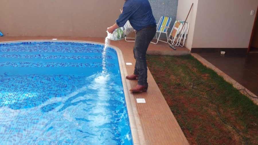 Mantenimiento piscina cloracion salina